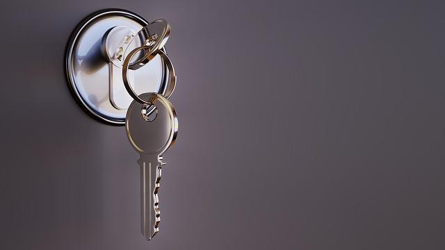 key 3348307 640